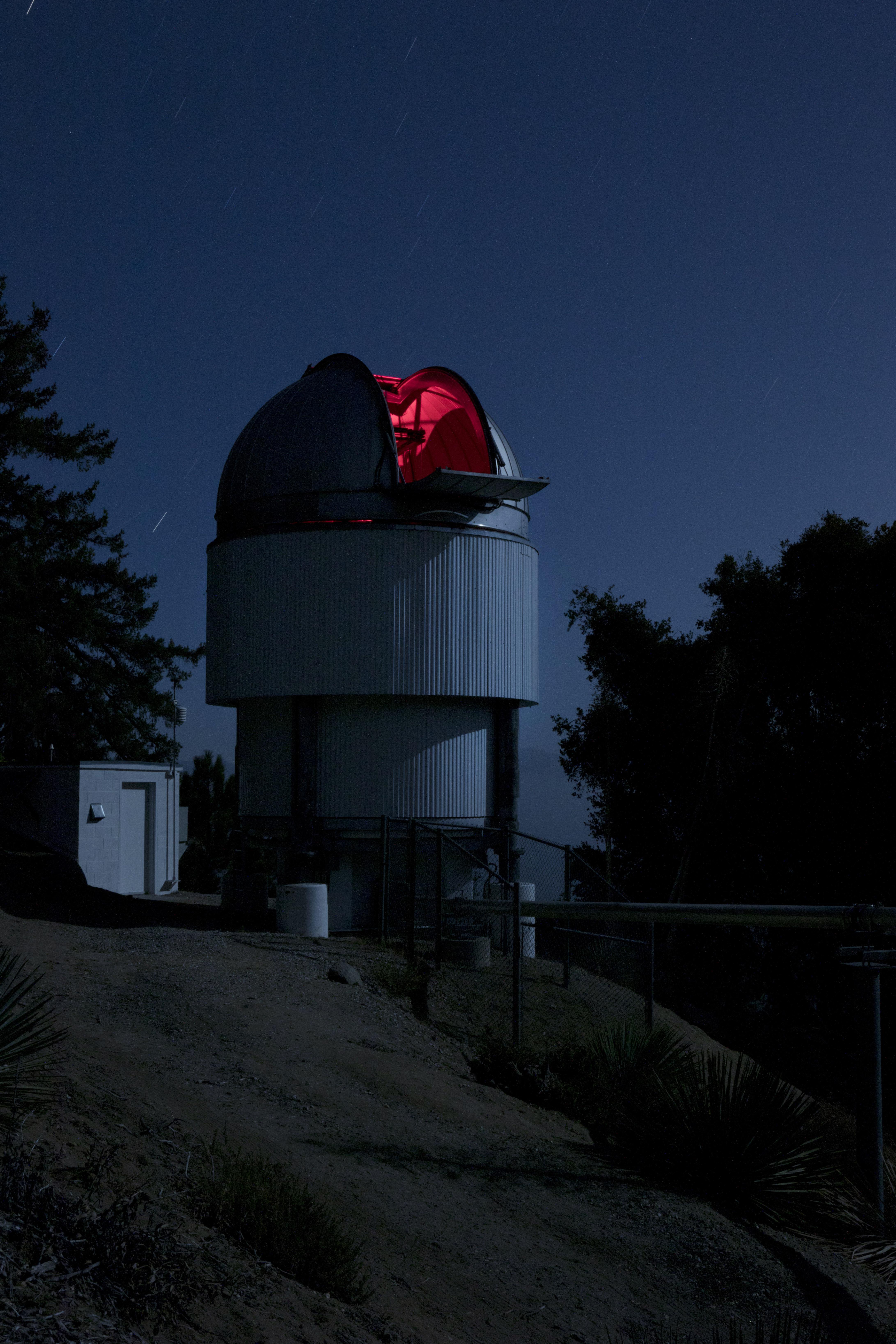 Night time at the E1 telescope.